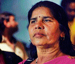 'Gulaab Gang' bombed, producers tell HC