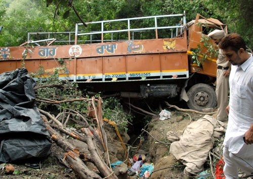 Four dead, 25 injured as truck falls into ditch