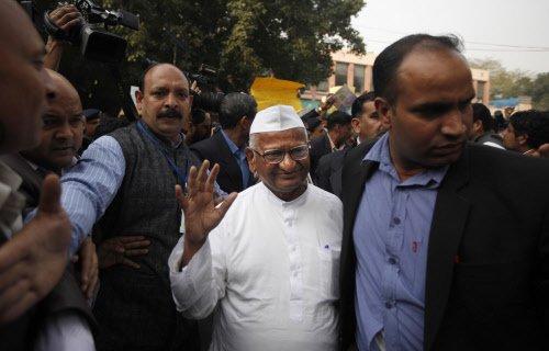 Hazare skips Mamata rally