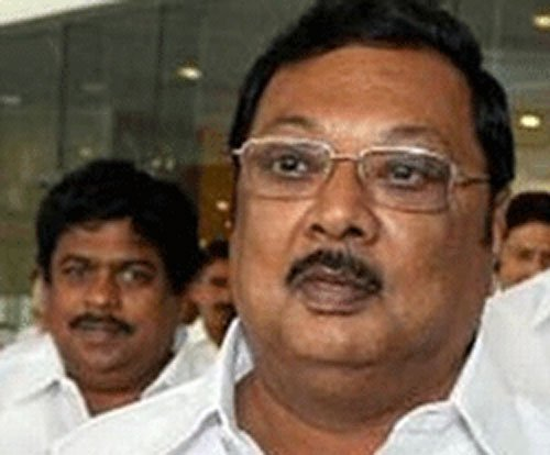 Alagiri met Rajnath with support offer?