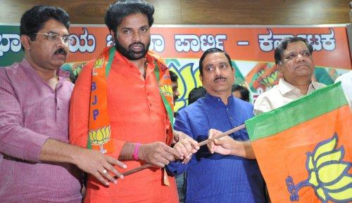 Sriramulu returns to BJP