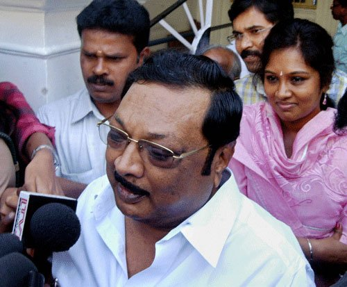 Alagiri meets Rajnath; offers support