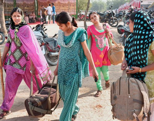 Delhi working women look for jobs outside city: Study