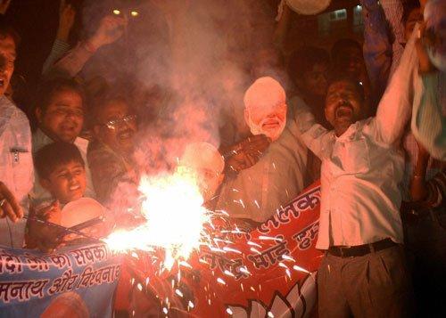 Modi looms large over Varanasi's Holi festivities