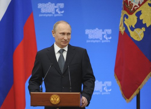 Putin takes first steps for Russia to absorb Crimea