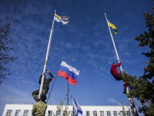 Pro-Russian forces capture Ukraine's naval headquarters