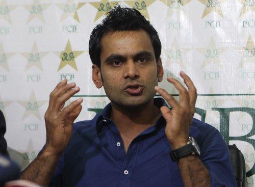Hafeez, Pak team management at loggerheads at World T20?