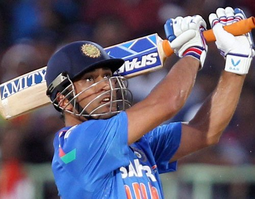 Dhoni's return will boost India's chances: Gavaskar