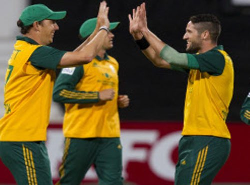 Fitness worries for Steyn, Faf as S Africa take on SL