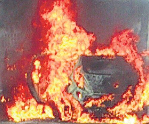 Seven burnt alive as tanker overturns, explodes