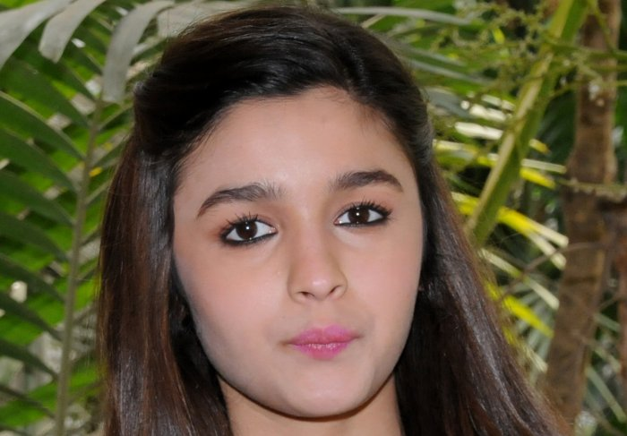 I don't have a Facebook page: Alia Bhatt