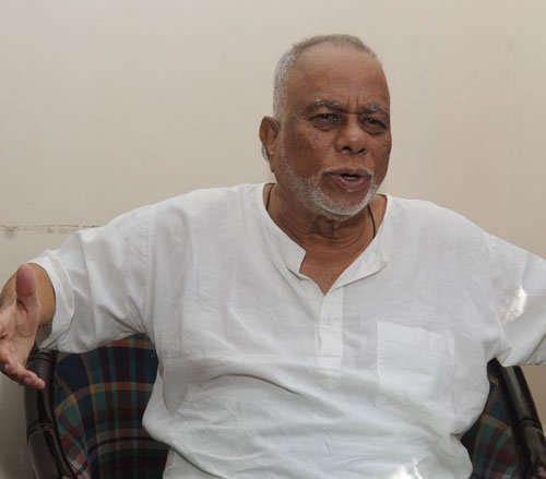 Sharief employs pressure tactics, 'resigns' from Cong