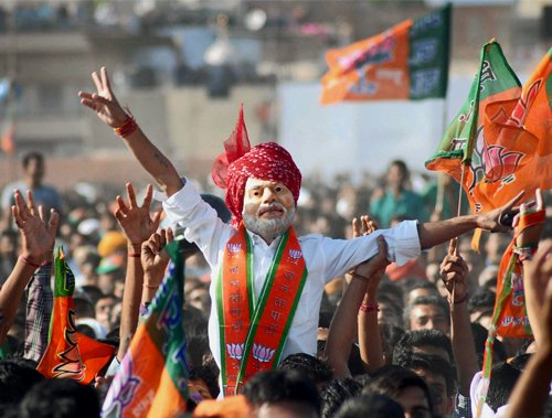 After 'Har Har Modi', it's 'Ya Modi Sarvbhuteshu' in Varanasi