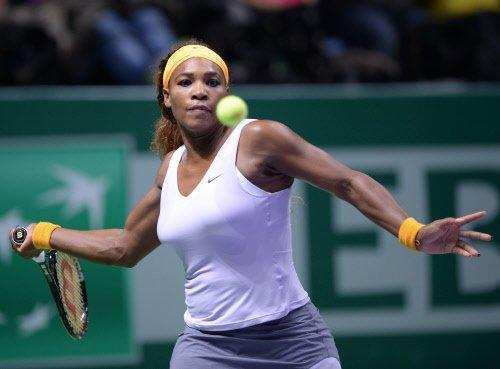 Serena drubs Li Na for title