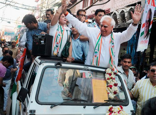 Sibal markets himself with 'Sibal factor' tag line now