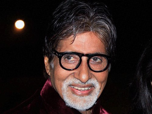 Amitabh, Ranbir walk the ramp for Azmi's fashion show