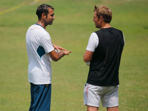 Warne drops in at SA nets to help Tahir before India game