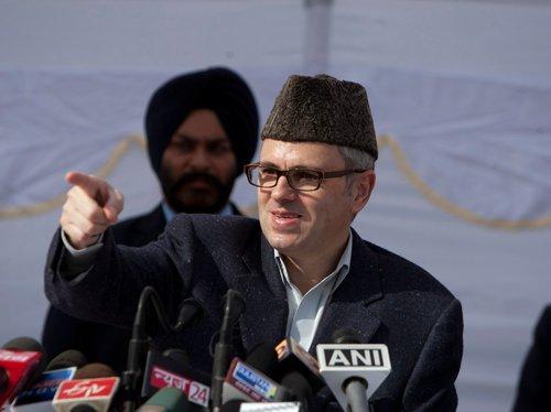 Omar takes a dig at Modi over flight delays