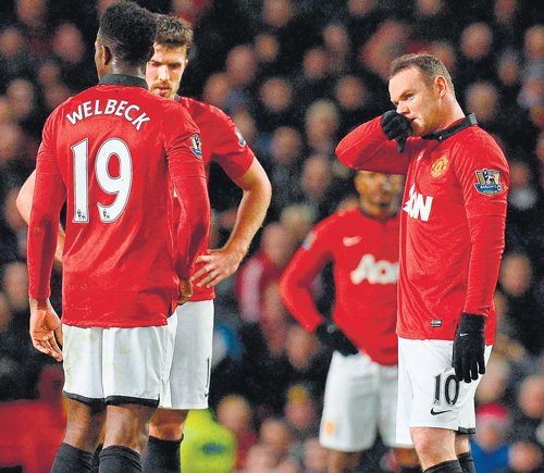 United, Atletico stay in the race