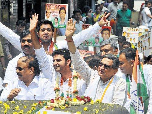 Krishna launches campaign in Bangalore Central