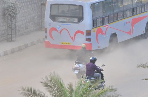Polluting old vehicles roam free