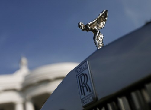 GAIL India slaps show-cause on Rolls-Royce