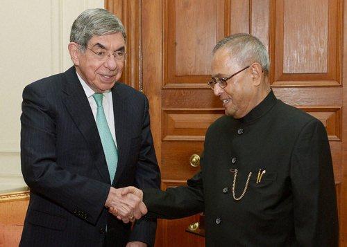 Nobel laureate wants India to cut military spending