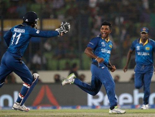 Superb Sri Lanka storm into title round