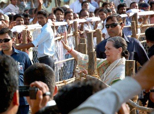 Delhi Congress tightens noose around defaulters