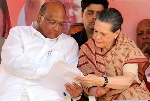 Sonia, Pawar share dais after 15 years