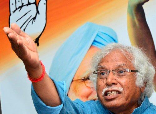 Congress's Mistry files nomination from Vadodara