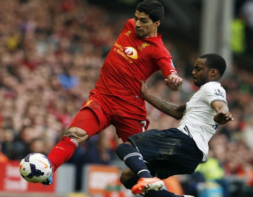 Suarez at the heart of Liverpool surge