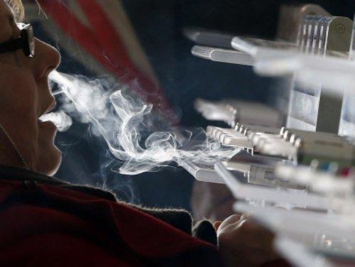 E-cigarette poisoning skyrockets in US