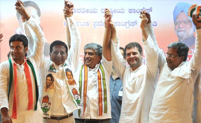 Rahul sharpens attack on Modi for corruption