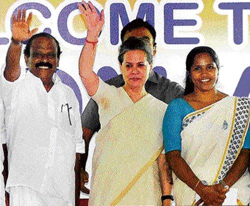 Communal agenda grave threat: Sonia