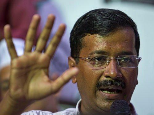 Kejriwal punched during Delhi campaign