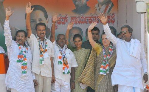 Beware of Modi's true face behind mask: Sonia Gandhi