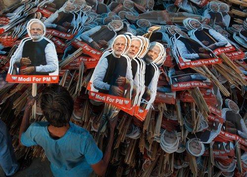 Celebrity Tamil novelist supports Modi, gets threat