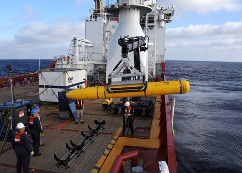 Robotic submarine aborts its first search for missing plane