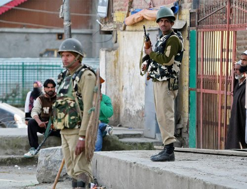 Militants attack residences of two NC workers