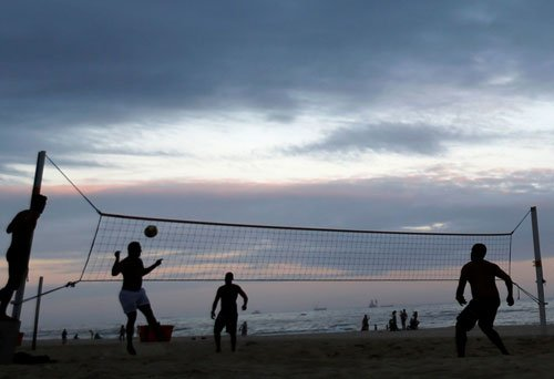 Jawans of Indian and Chinese army play volleyball