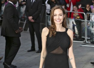 I would love to be a stay-at-home mother: Angelina Jolie