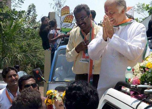Rallies in full swing in Mumbai ahead of final leg of polls