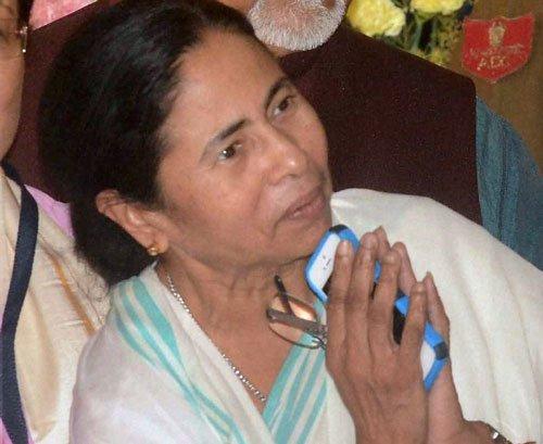 Modi reaches out to Mamata