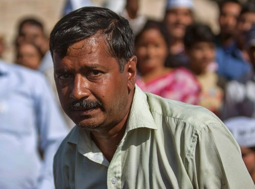 Kejriwal 'forced' to leave temple guesthouse in UP
