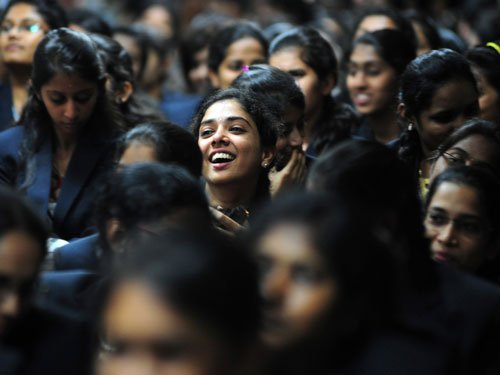 US sees dramatic surge in graduate applications from India