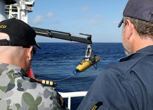 Underwater search for MH370 black box to end within a week