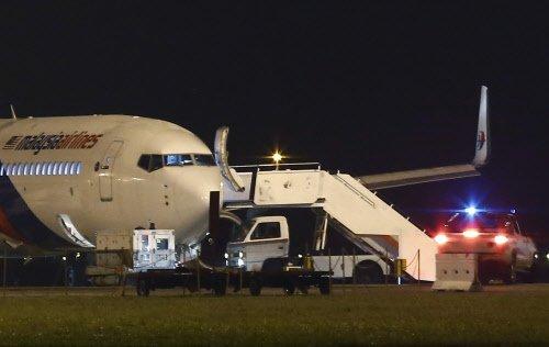 Bangalore-bound Malaysian jet pilot praised upon safe landing