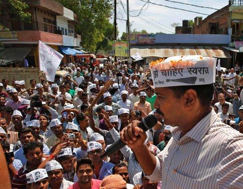 FIR against Kejriwal, Vishwas for violating model code