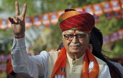 Advani lauds TN's rainbow coalition